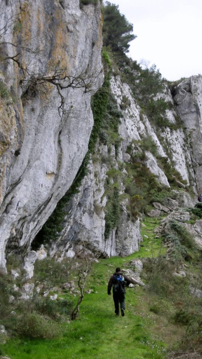 Vall de la Gallinera - Serra Foradada: El Almiserà y el castillo de Benirrama