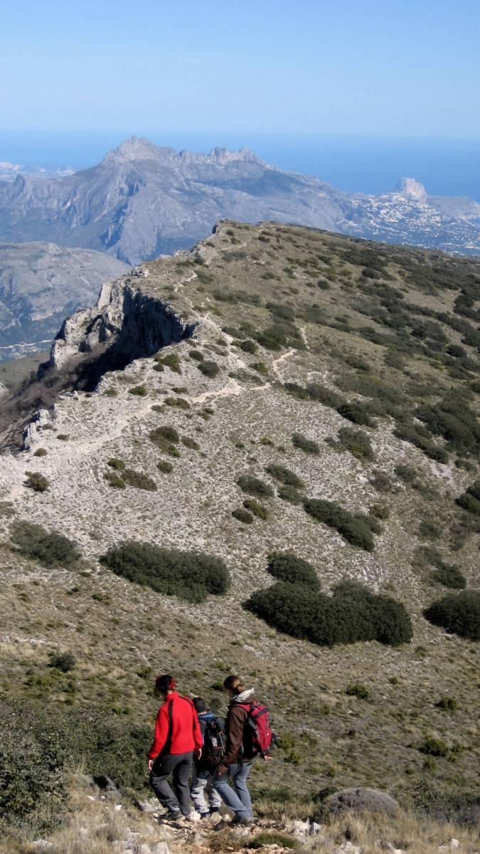 La Sierra de Aitana y el castillo de Confrides