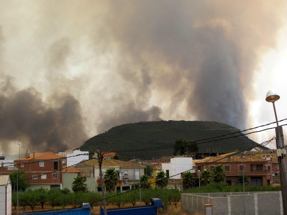 Incendio de Yátova, Dos Aguas, Cortes de Pallás, la Ribera Alta y mil sitios más