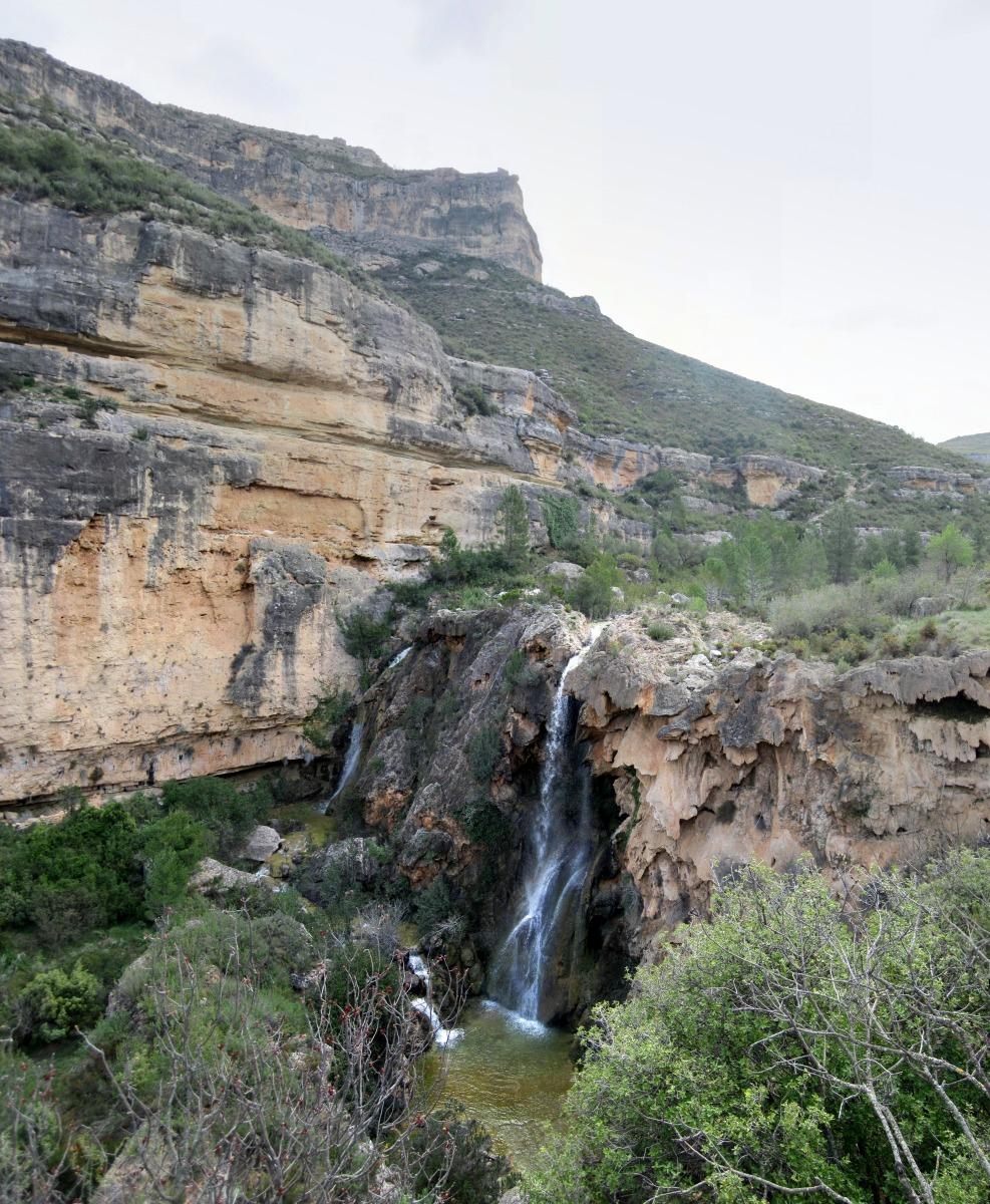 Cortes de Pallás - La senda de los cintos - El Francho y el Puntal de Sácaras.