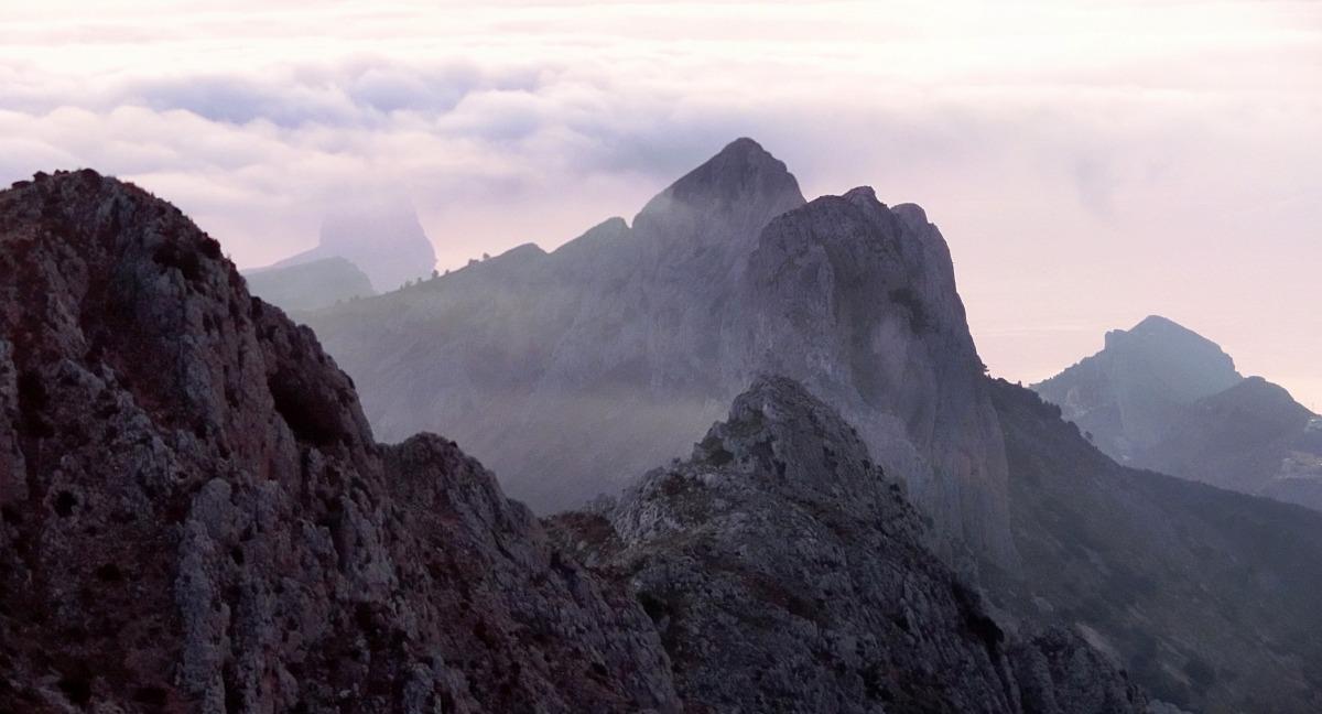 Montañas que nunca te conté